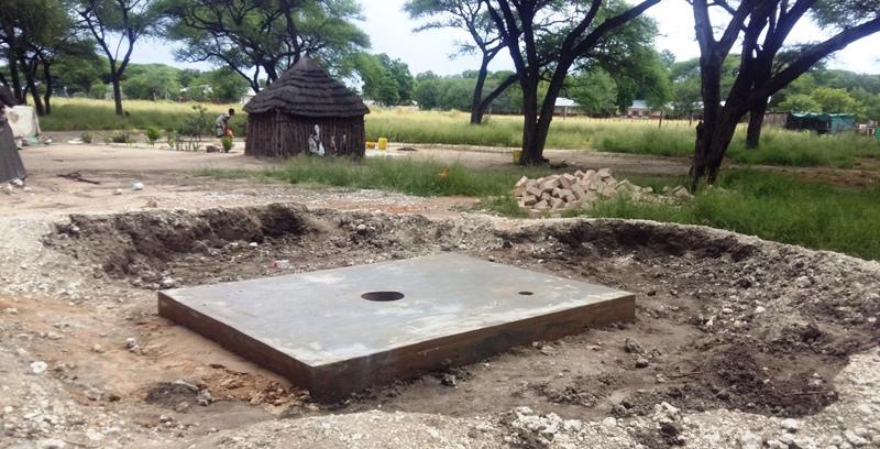 Hygieneprogramm der Regierung, der Bau von Trockentoiletten.